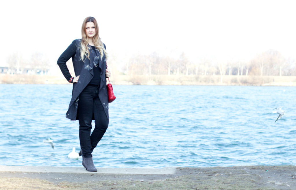 {Outfit of the Day} Black and Red