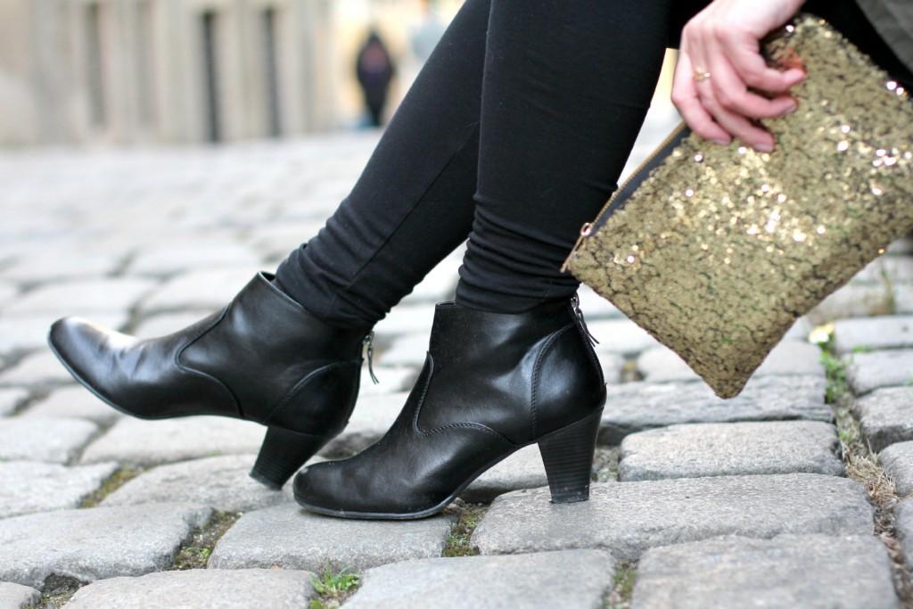 Blogger Outfit Black Glam Deichmann Stiefeletten