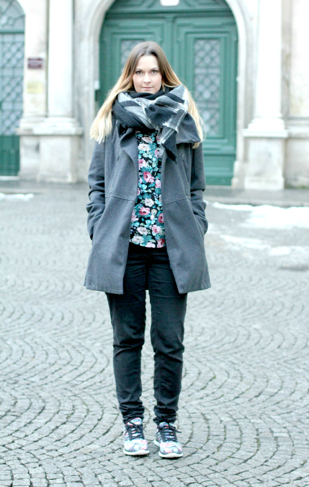 Blogger Outfit of the Day Sneakers Skechers Terranova Jacke Wien Fashionblogger Kleines Cafe Vienna