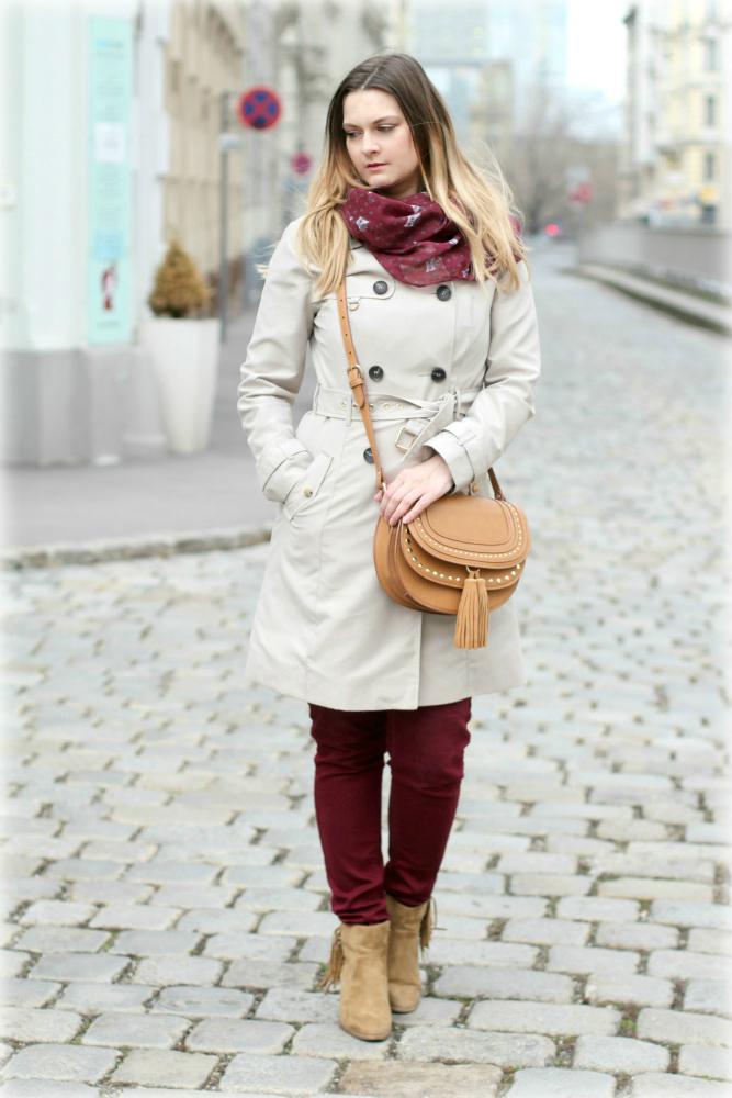 Blogger Outfit Deichmann Trenchcoat Chloe Bag Burgund Rot Beige Fashionblog