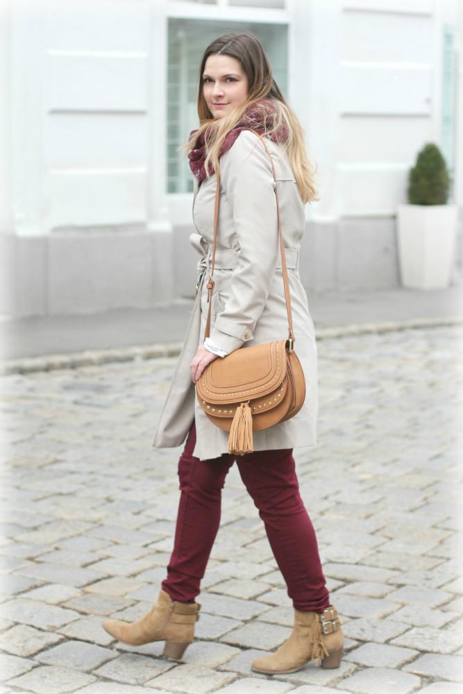 Blogger Outfit Deichmann Trenchcoat Chloe Bag Burgund Rot Beige Mango Fashionblogger Osterreich