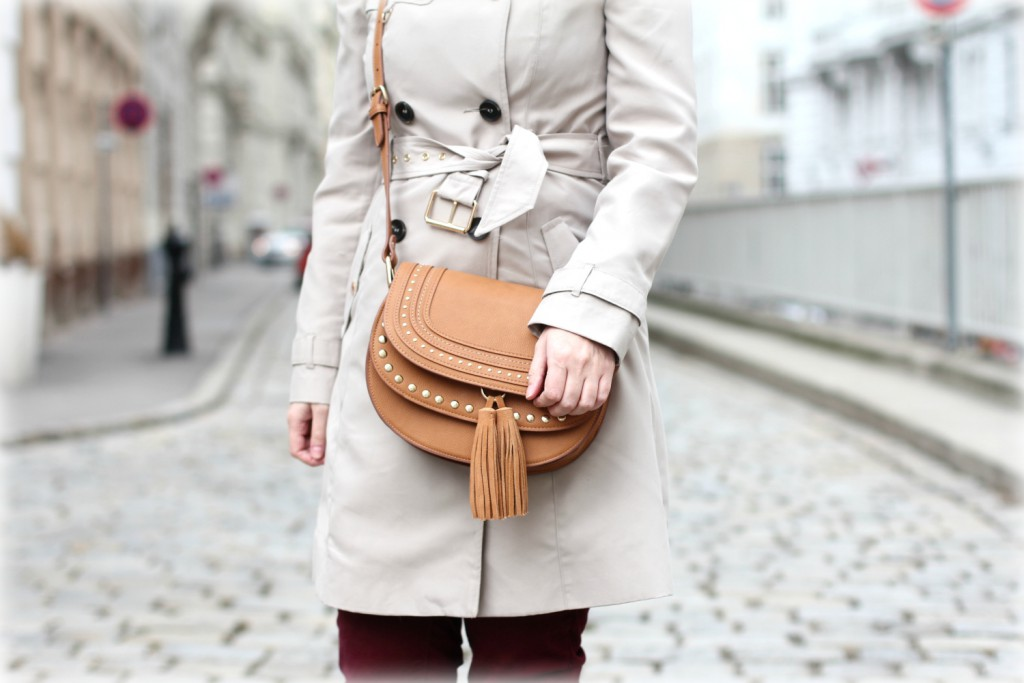 Blogger Outfit Deichmann Trenchcoat Chloe Bag Burgund Rot Beige Mango Tasche