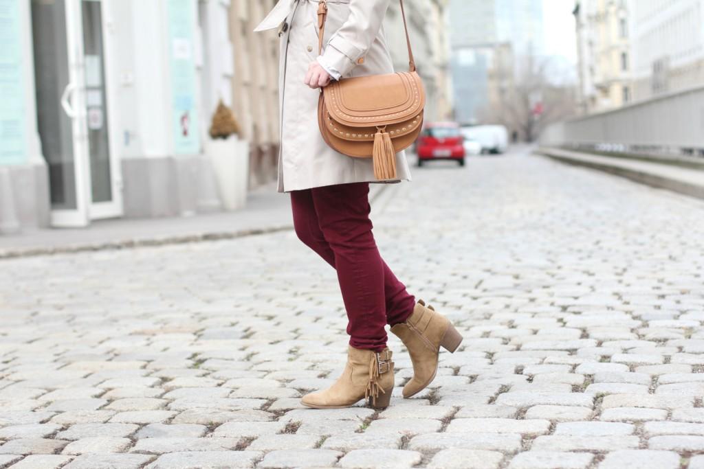 Blogger Outfit Deichmann Trenchcoat Chloe Bag Dunkelrot Beige Kombination
