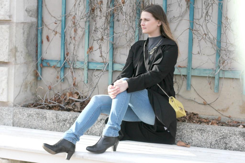 Blogger Outfit Furla Metropolis Trenchcoat Fashionblogger Wien