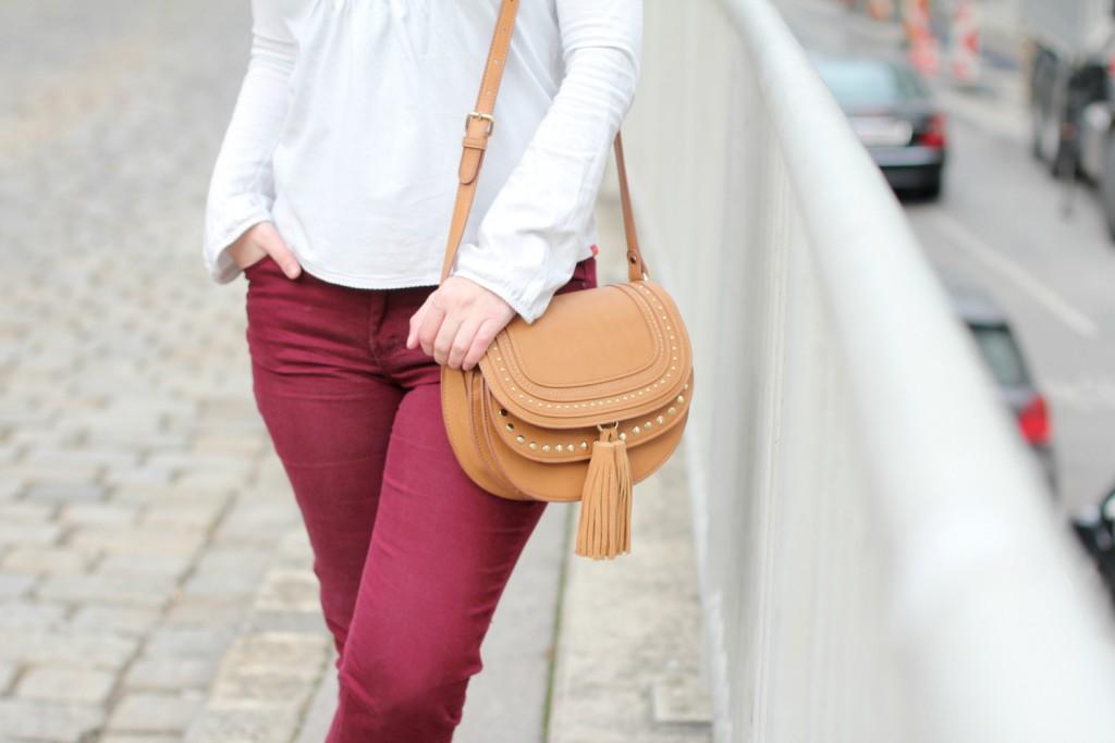 Blogger Outfit Modeblog Osterreich Deichmann Trenchcoat Chloe Bag Burgund Rot Beige