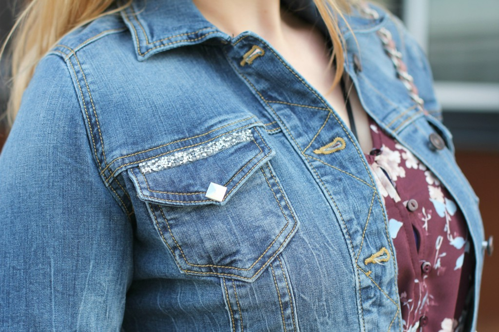DIY Jeansjacke Denim Jacket Nieten Studs Fashionblogger Outfit