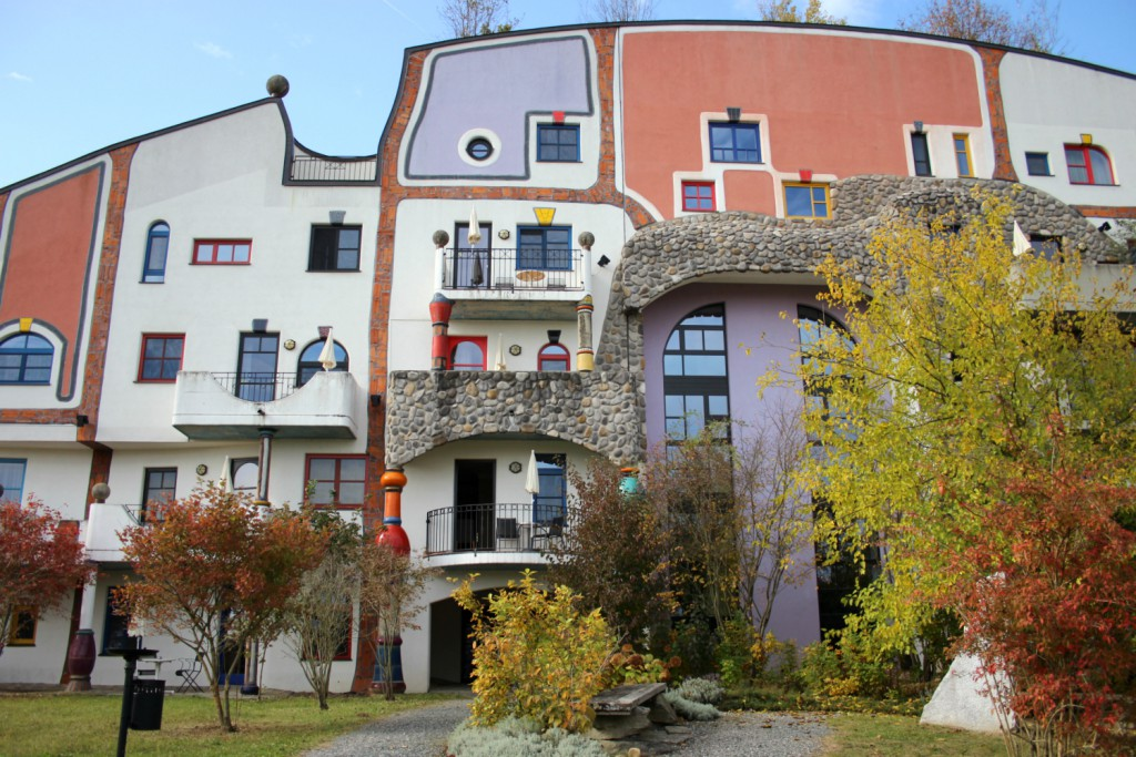 therme-rogner-bad-blumau-steinhaus