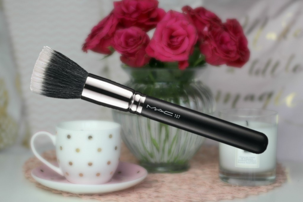 mac-duo-fibre-brush-187