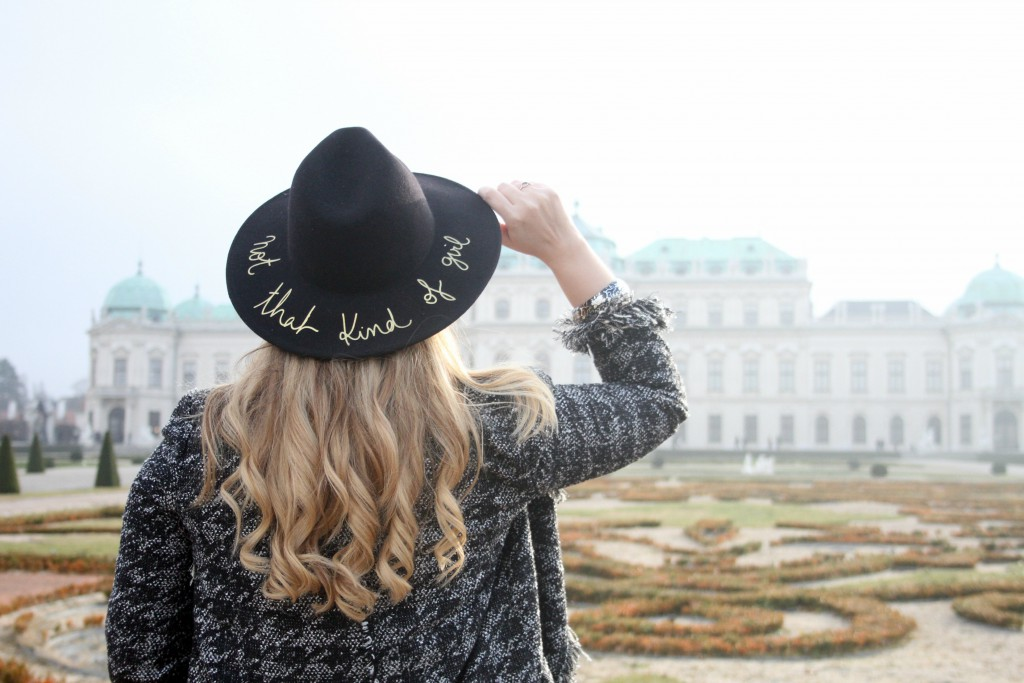 Blogger Outfit Hat Locken