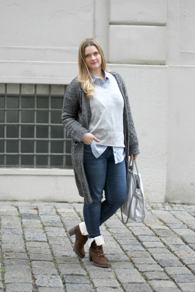 blogger-outfit-cozy-office-style-cardigan-streifenbluse-zara