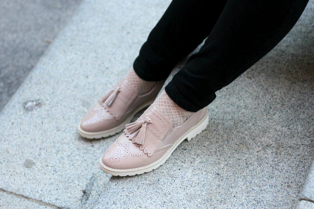 Modeblog Osterreich Fashionblog Blogger Outfit Fringe Shoes Pink Loafer Deichmann Ellie Goulding