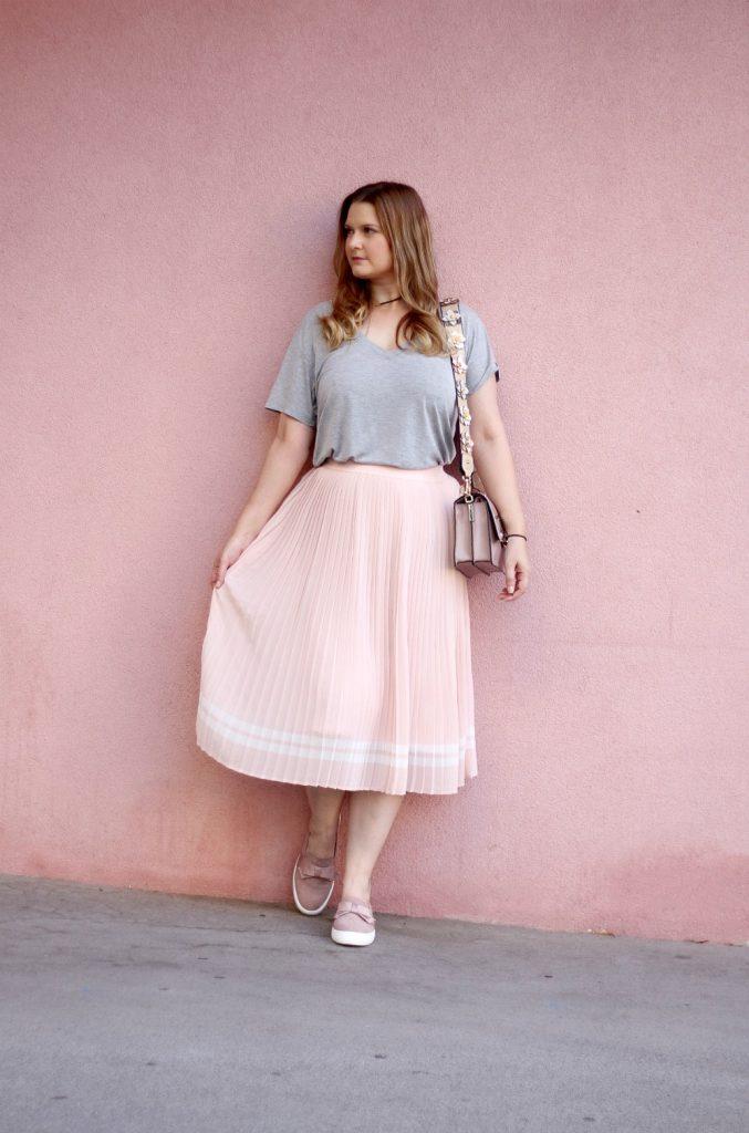 Deichmann Loafers Midirock rosa Karl Tasche Schulterriemen Hallhuber Outfit Fashionblog Blogger