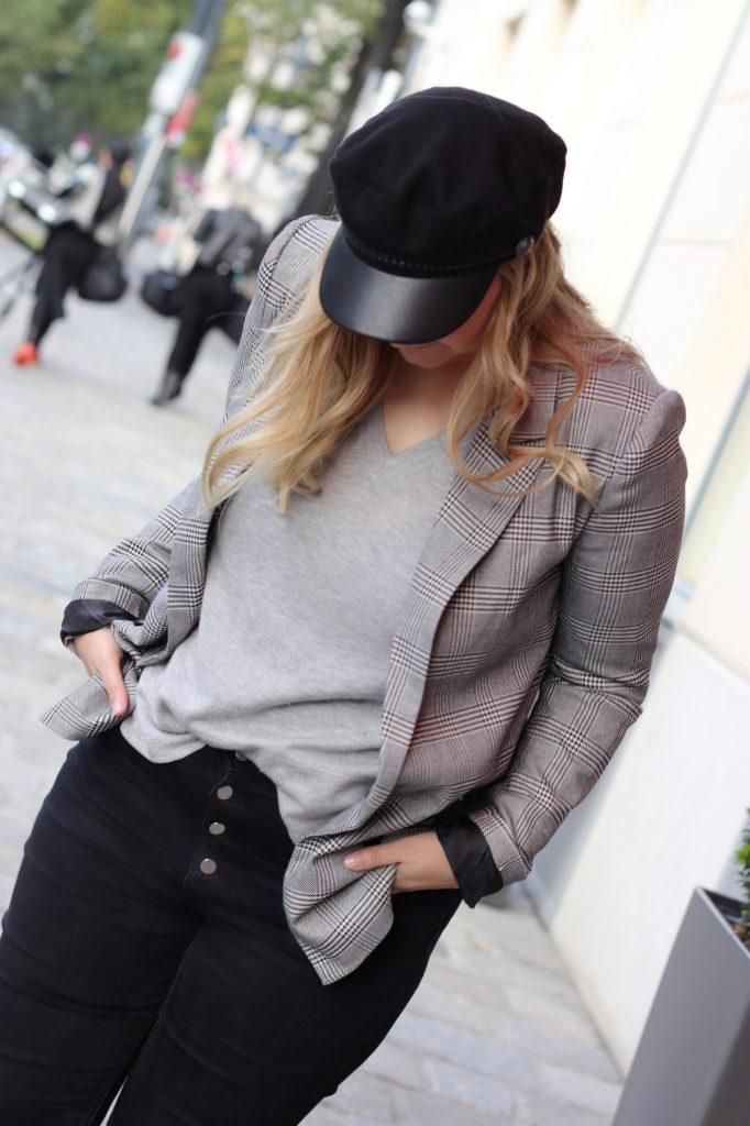 blogger outfit karo blazer checked blazer schiffermutze modeblog wien