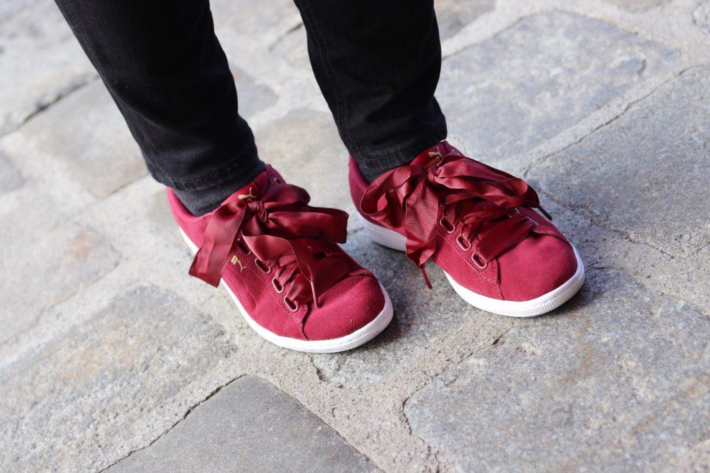 blogger outfit modeblog wien puma vikky ribbon rot