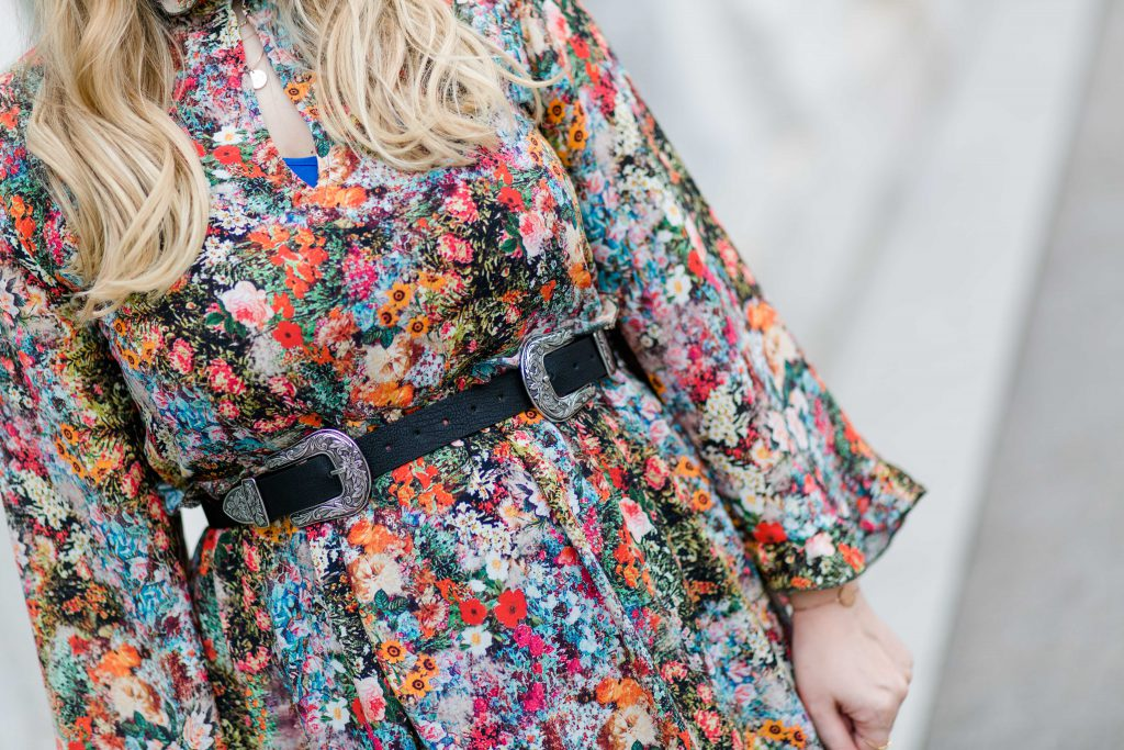 Fashionblog Osterreich Blogger Outfit H&M Flower Dress Metallschnalle Gurtel