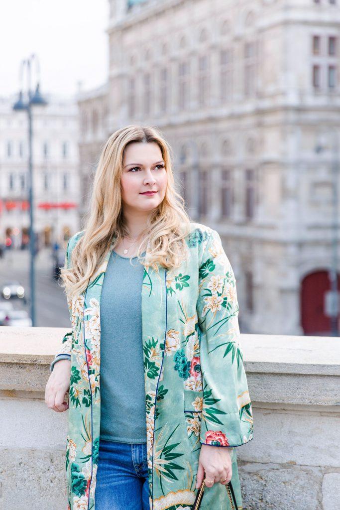Outfit green Zara Kimono Seiden Cardigan Blog Osterreich