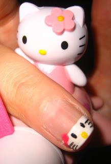 Hello Kitty Nails – Tutorial