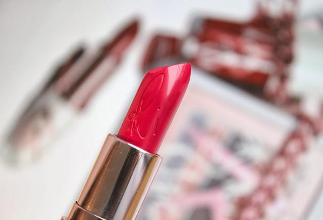 {Swatch} MAC Lipstick Pleasure Bomb (RiRi LE)