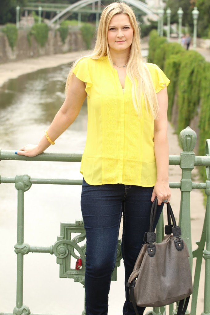 {Outfit of the Day} Marineblau meets Sonnengelb