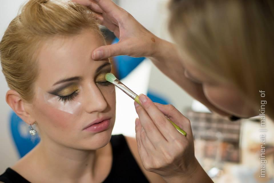 {Backstage als Make-up Artist} Cover-Shooting