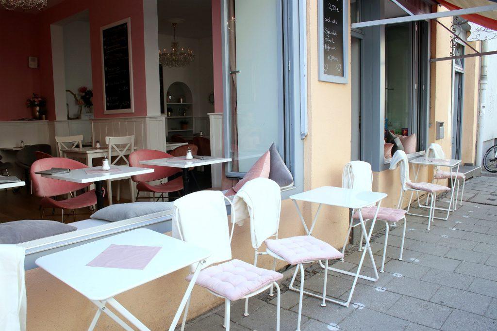 Cafe Lotti Munchen Sommer Garten