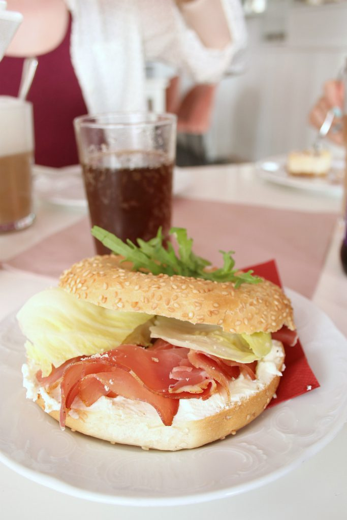 Cafe Lotti Munchen pikant Bagel