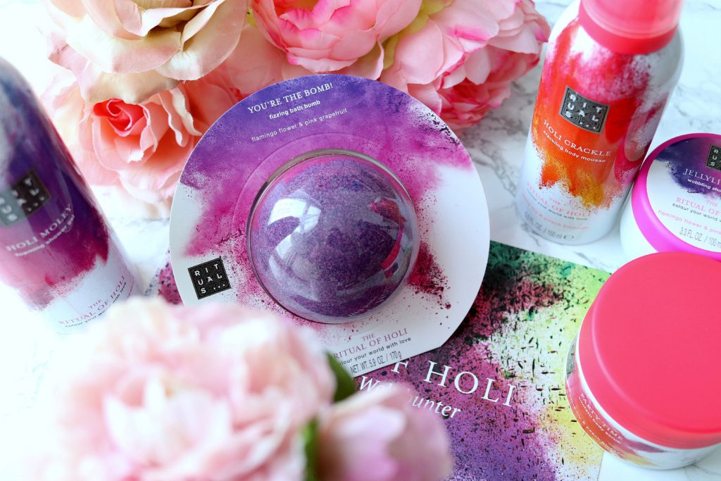 The Ritual of Holi Rituals Fizzing Bath Bomb