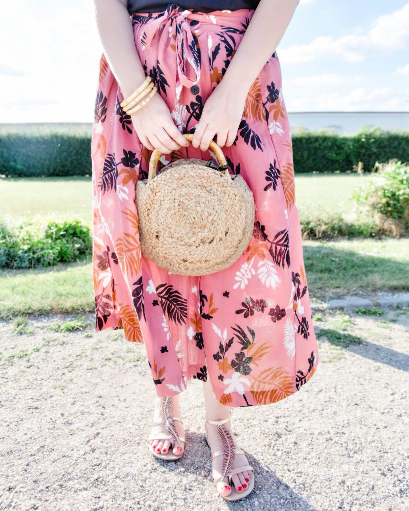 Fashionblog Wien Mango Strohtasche Zara Midirock Blogger Outfit Modeblog Osterreich Sommertrend