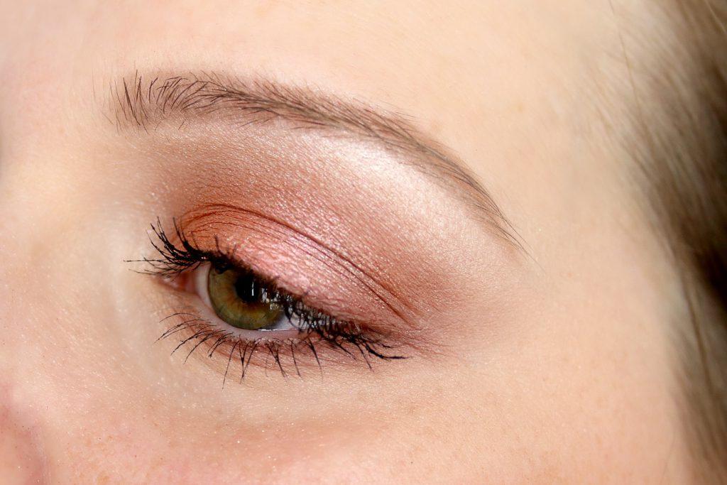 MAC Boom Boom Blomm LE Eyeshadow Palette Kabuki Doll Make up Look AMU Swatches