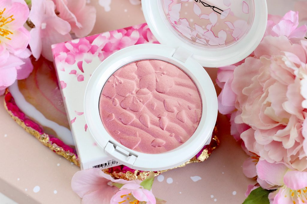 MAC Boom Boom Blomm LE Swatches High Light Powder Fleur Real Review Overspray